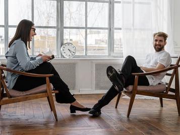 Comment choisir entre la psychothérapie brève orientée solution et la psychanalyse ?