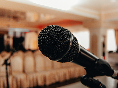 Top Tips for Being a Master of Ceremonies at a Wedding