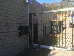 Flat top gate solar powered