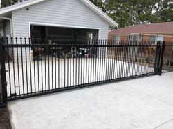 Spear top sliding gate