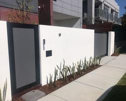 Solid modwall sliding gates
