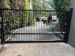 Flat top swing gate