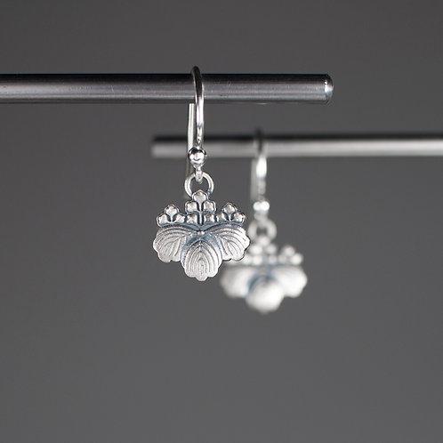 ©LEMAK, INC. | One Leaf Earrings in Sterling Silver