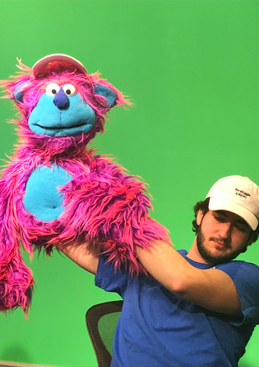 Puppeteering on Amore al Primo Cappello