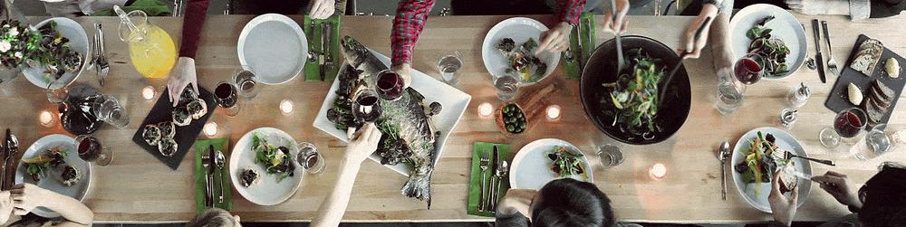 Tafel vol met lekker eten