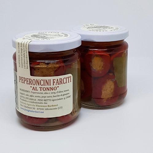 Peperoncini Farciti, kleine kerspepertjes gevuld met tonijn