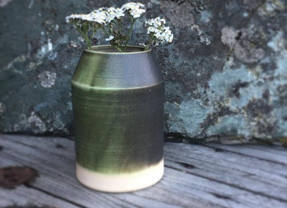 Vase, brungrønn