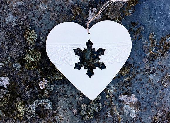 Stort hjerte med snøkrystall 14  cm