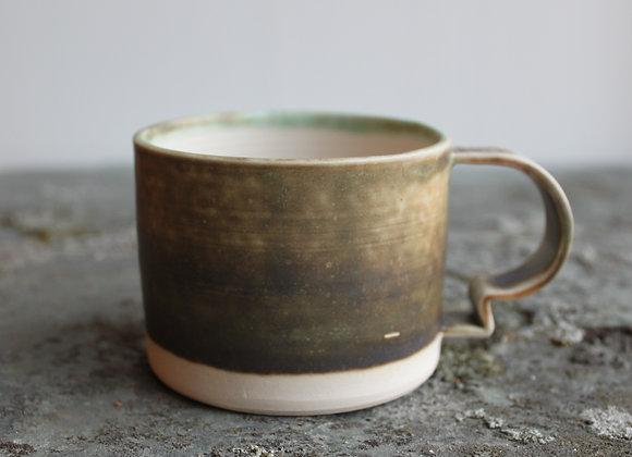 Kaffekopp med hank, brungrønn