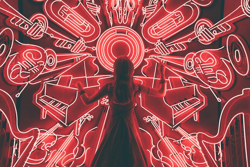 Quando ouvimos música diversas áreas do nosso cérebro são estimuladas — Foto: Spencer Imbrock/Unsplash