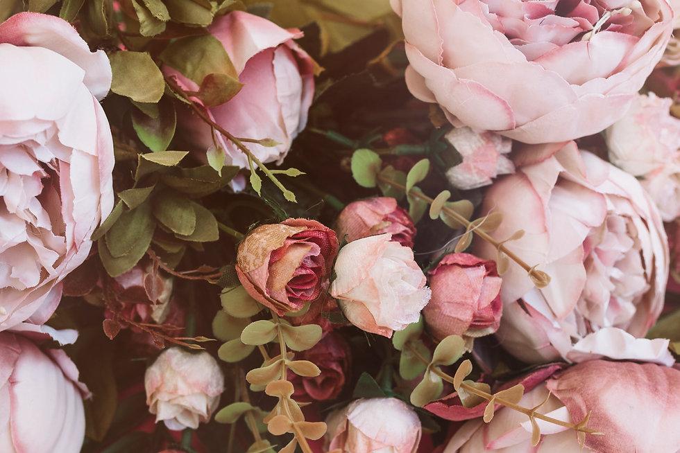 pretty-wedding-flowers-close-up-view-bac