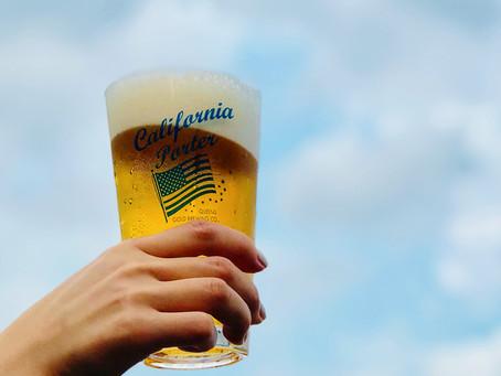 これからの季節、青空の下で飲むビールは格別ですね