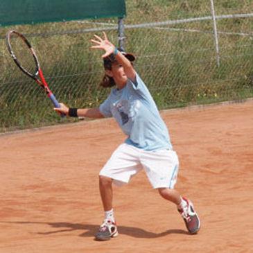 Matti Doulis startet erfolgreich ins Tennisjahr 2014