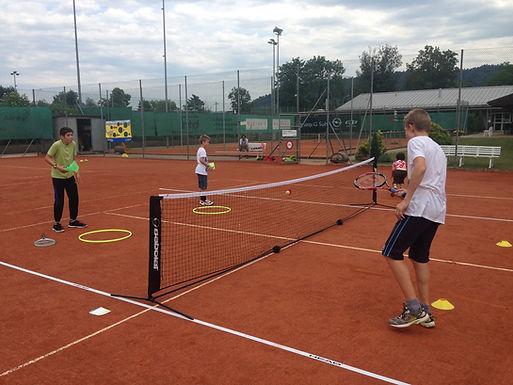 Gratis Schnuppertag im Tennisclub Suhr an Ostern