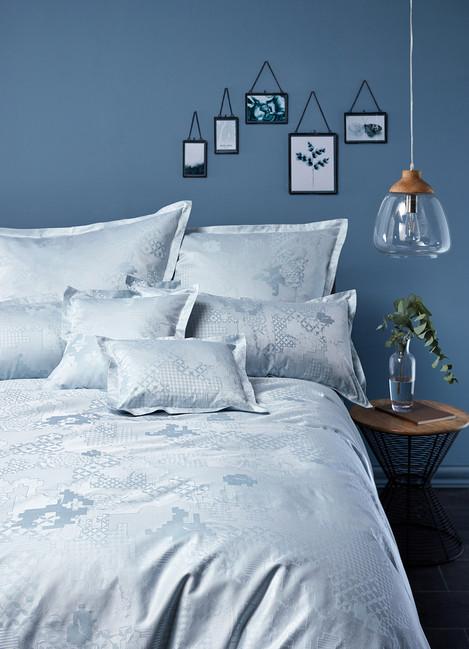 Design CULTURE in frozen blue
