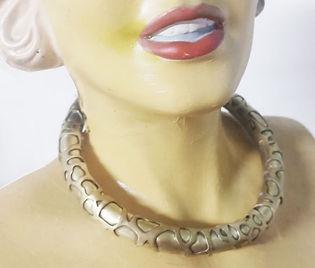 giraffe collar