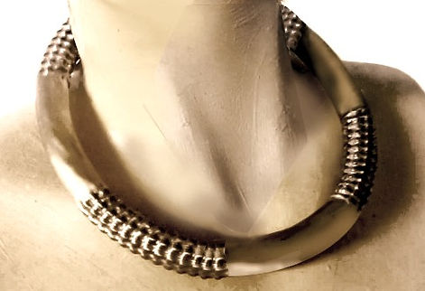 corrugated fluted jewelry collar jewellery