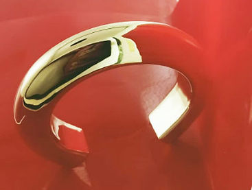 18K gold      hollow cuff