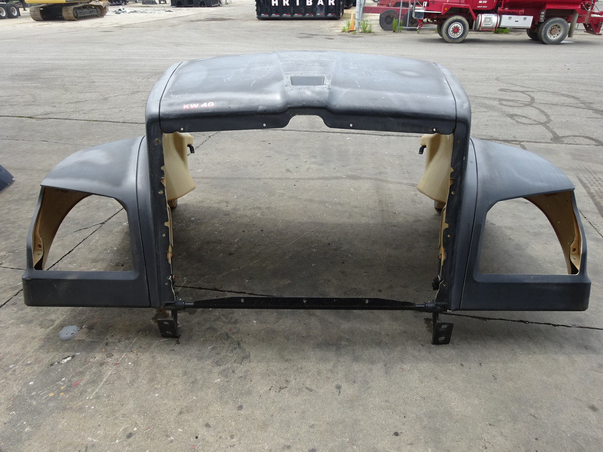 LOT# KW40 | FRONT