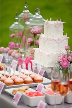 pretty-dessert-table