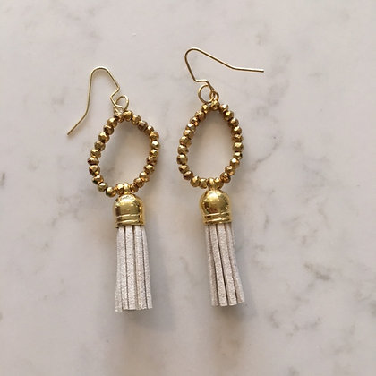 Ivory Circle Earring