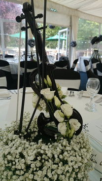 music themed violin table centre