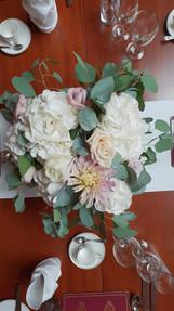 Hydrangea ^ blush dahlia table centre