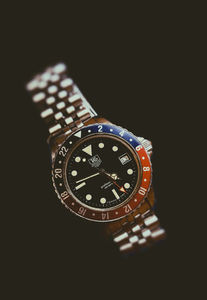 separation shoes 9fbd3 aec2f The Tag Heuer 1000 GMT