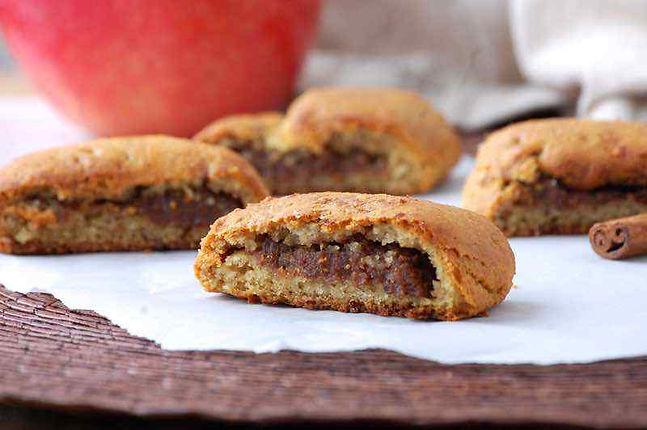Apple-Cinnamon-Paleo-Fig-Newtons.jpg