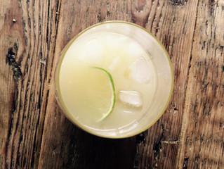 Apple, elderflower & ginger cocktail with optional 'gin'
