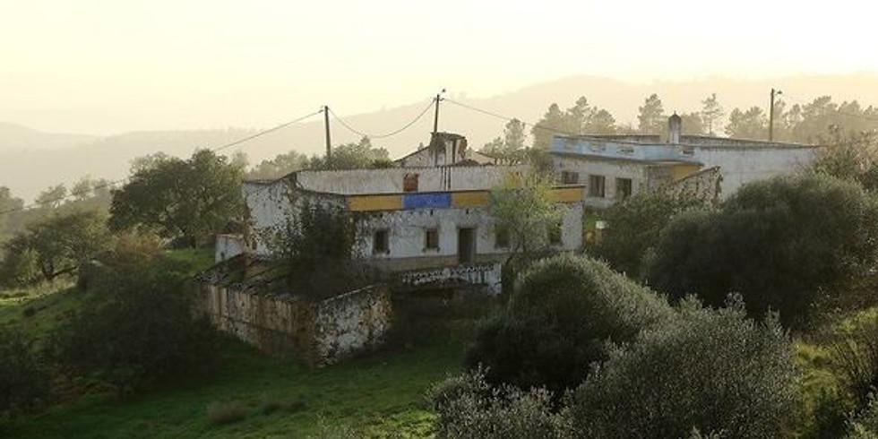Passeio fotográfico à Cabaça, uma aldeia abandonada na serra do Caldeirão