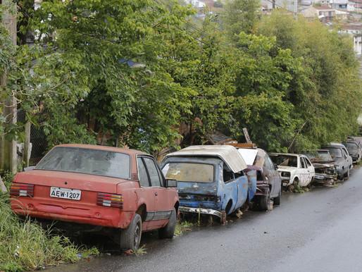 🥇 Carros abandonados podem virar foco do mosquito da dengue