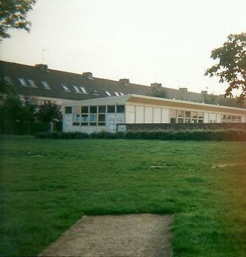 préfabriqués (dojo, 1997).jpg