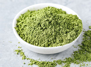 02 green-matcha-tea-powder-in-white-bowl