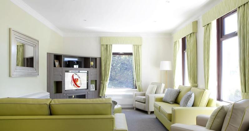 Caerlan farm lounge.jpg