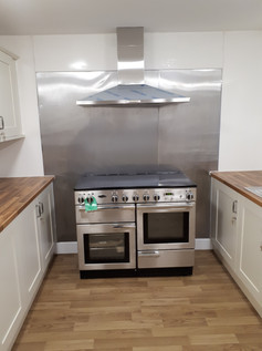 Oven and hob installation.jpg