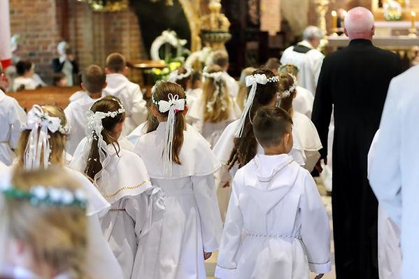 Children at First Communion