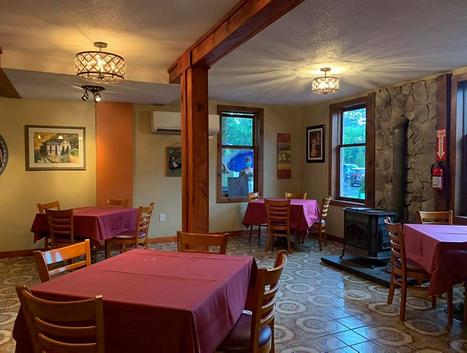 sorrentis-indoor-dining.png