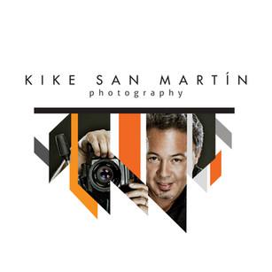Kike con Foto.jpg