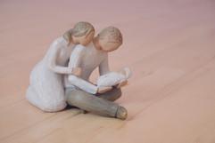 Neugeborenes mit liebenden Eltern Geburtshaus Goettingen.jpg