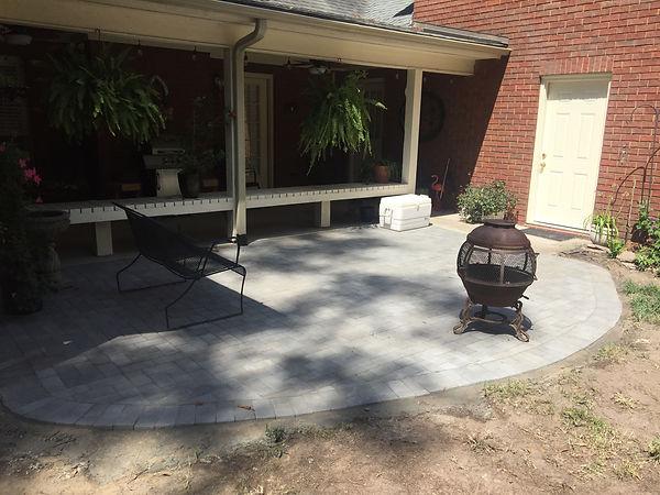 Grey paver patio.JPG