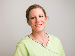 Herzlich Willkommen Med. dent. Barbara Ballinari in den Linthpraxen Zahnärzte AG Linthal