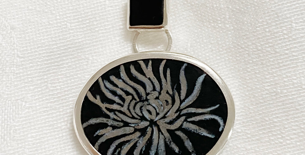 Black Chrysanthemum Necklace
