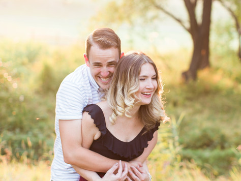 Calgary Engagement Photographer: Golden Hour at Confederation Park - Laura & John