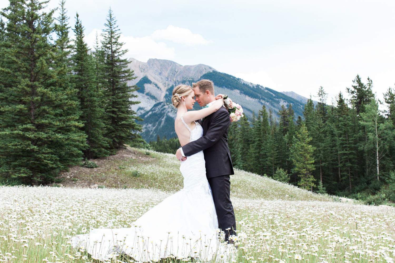 Banff Wedding Photographer Banff Park Lodge Lake Minnewanka 74