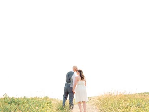 Calgary Wedding Photographer: Edgemont Community Centre & Nose Hill Park - Jodi & Scott