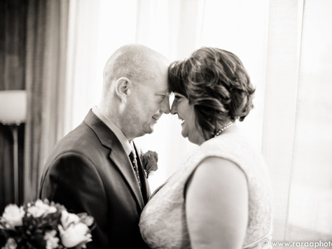 Calgary Wedding Photorapher - Radisson Airport Hotel Wedding: Tammy & Brian