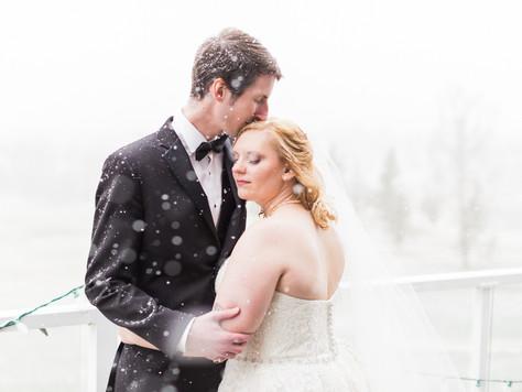 Calgary Wedding Photographer: Lynx Ridge Golf Glub - Steph & Tom