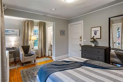 52 Irving St, Unit 5  Cambridge Ivy Inn. Furnished Rentals. 50 Irving St, Cambridge, MA, USA.