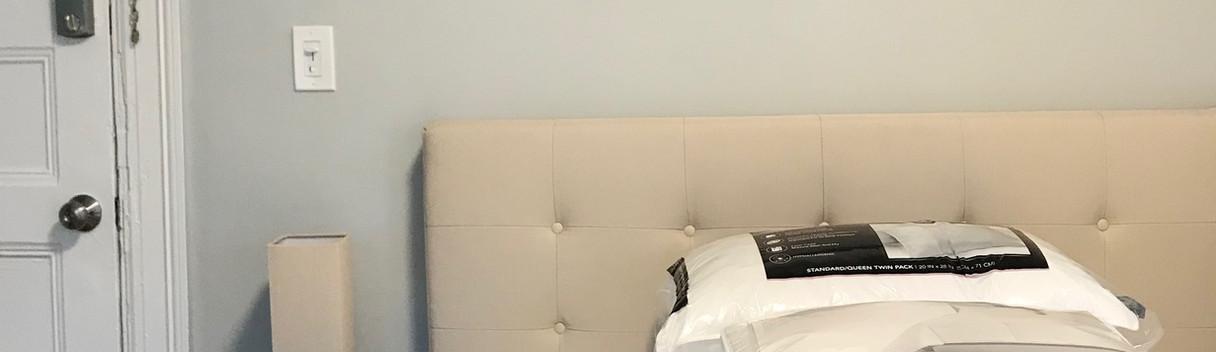 50 unit 8 - studio, bed.jpg